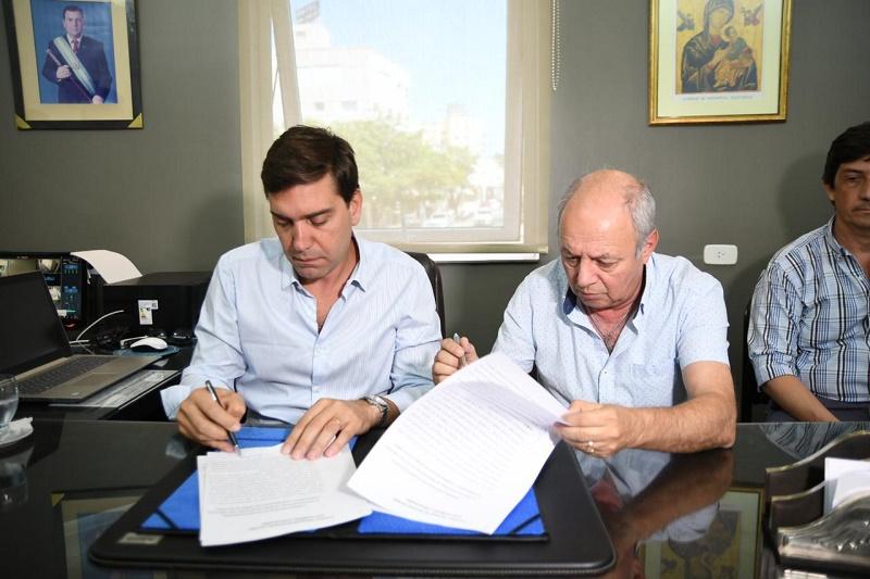 Se realizó la firma de un convenio marco de cooperación y asistencia institucional entre el pami y la municipalidad de las termas de Río Hondo