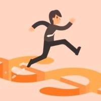 Cuidado con estafas con depósitos con cheques en dólares