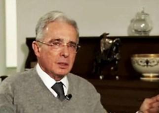 Uribe libre de arresto domiciliario