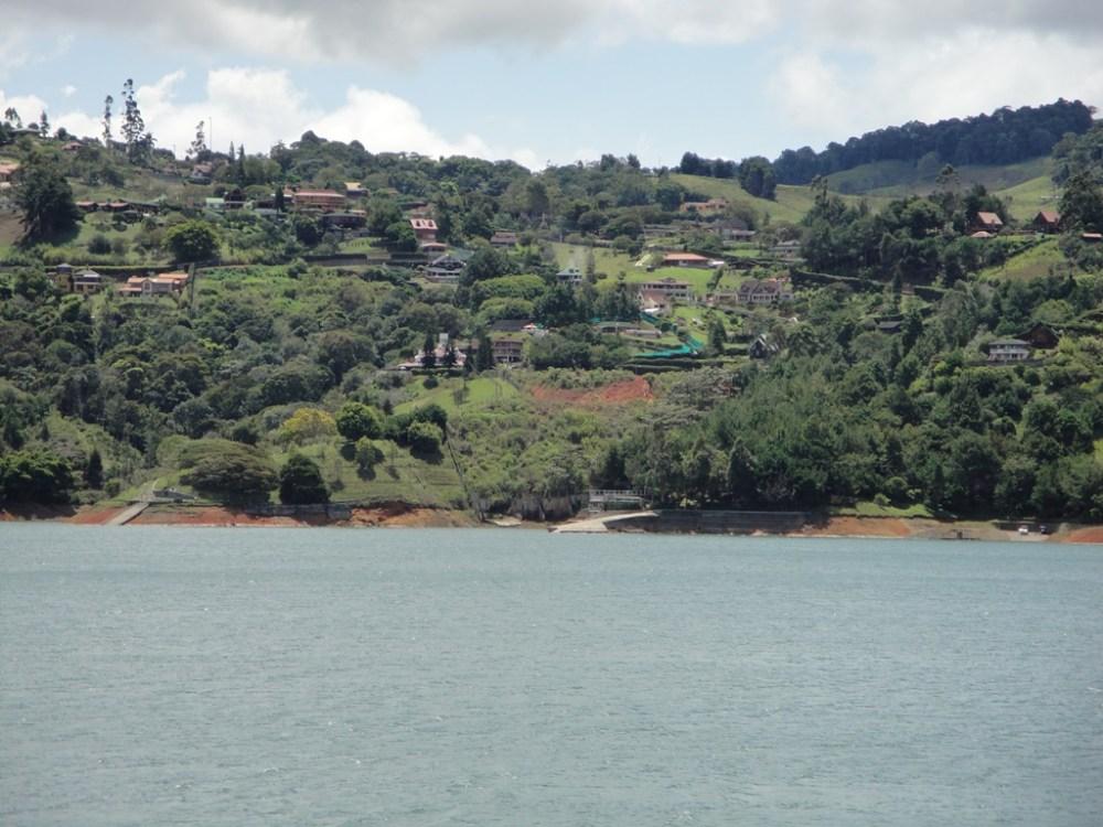 Lago Calima Valle del Cauca - Colombia Travel
