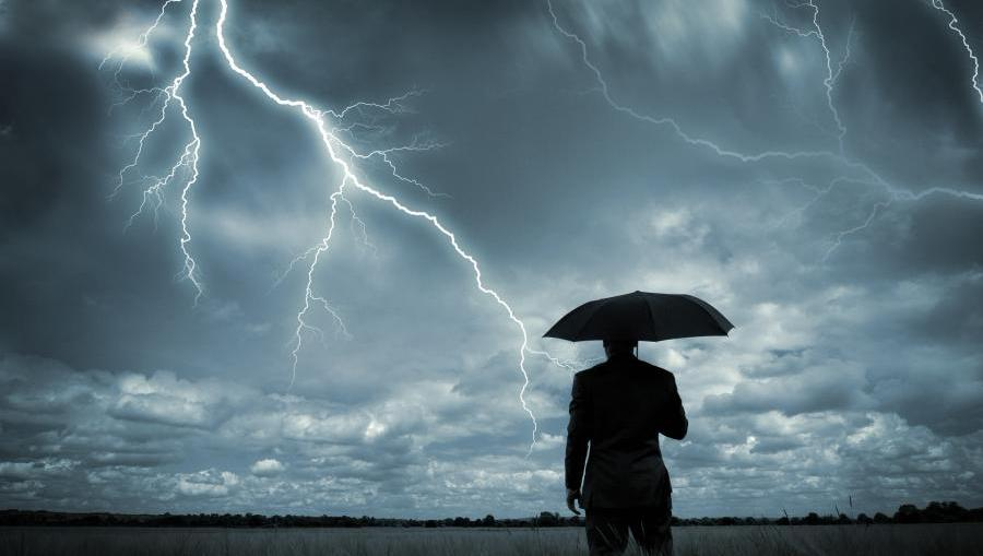 Uwaga komunikat! Ostrzeżenie przed burzami z gradem. Jak postępować w trakcie trwania żywiołu?