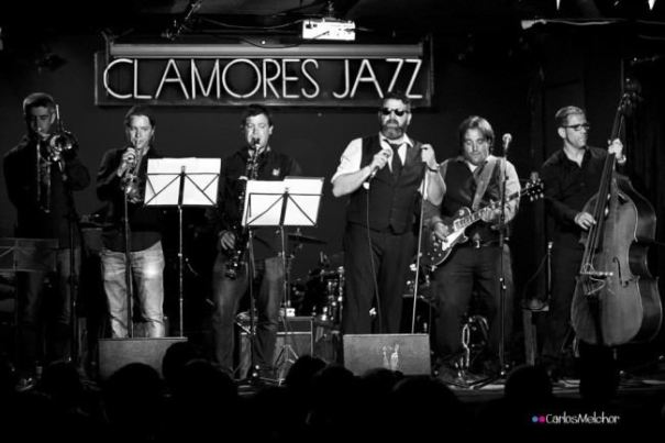 Clamores se rinde a Travellin' Brothers