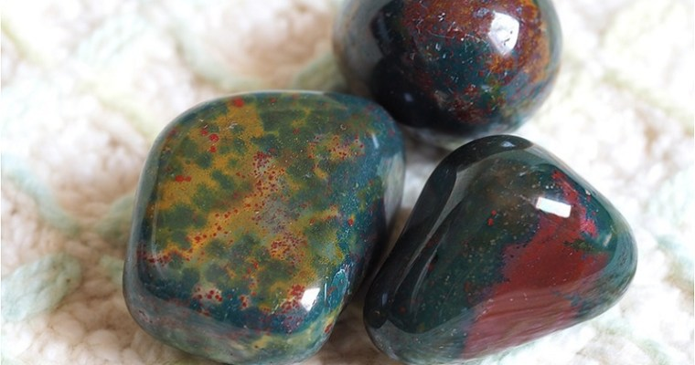 The Courage Stone: Bloodstone Meaning and Uses — Crystal Meanings