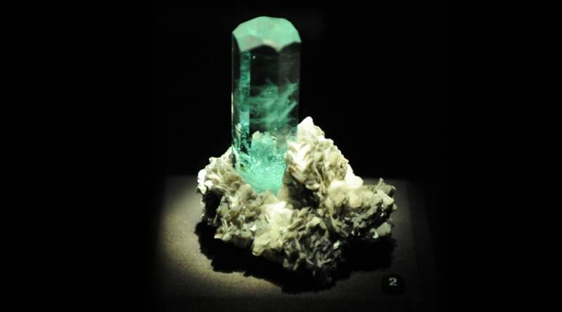 Aquamarine Pillar - Aquamarine Meaning and Uses - Elune Blue (7)