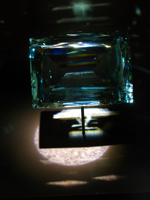 Aquamarine Benefits - For couples, aquamarine can be helpful in relieving marital tensions, and can help rekindle the flame in couples who have been married for a long time.  Aquamarine is a suitable marital gift, and is sometimes given to the wife by the husband on the morning after a marriage.