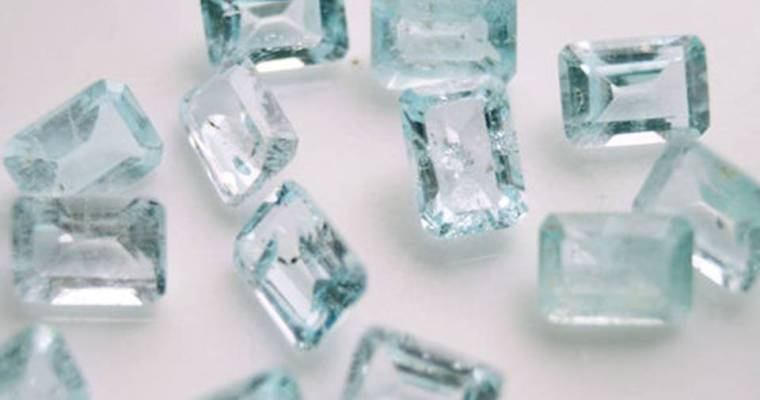 The Writer's Stone: Blue Topaz Meaning and Uses — Crystal Meanings