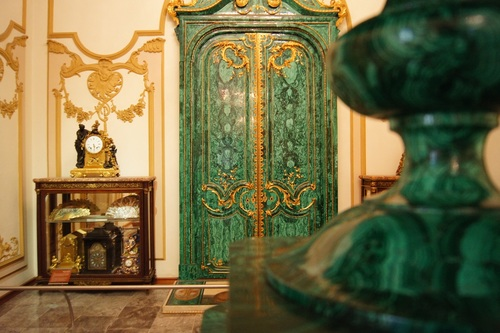 It has been used throughout history to line the carvings of churches, to paint Egyptian tombs, and even in art as pigment. -- Malachite Meaning and Uses