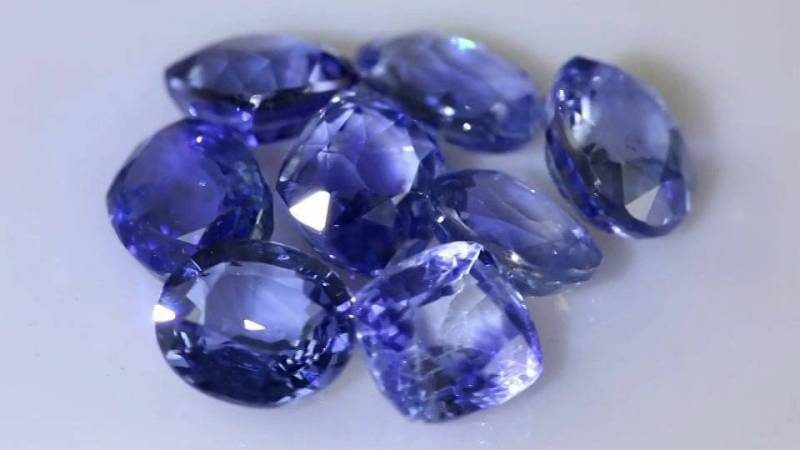 It can help focus the mind and will to make the manifestation of dreams and goals a reality. -- The Magic of Sapphire