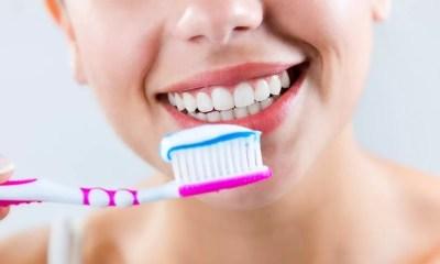 ¿Cada cuánto debemos cambiar nuestro cepillo de dientes? Consejos sobre su mantenimiento