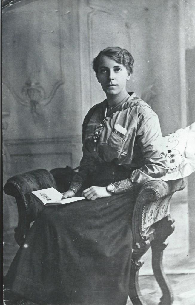 Sister of David Dunbar