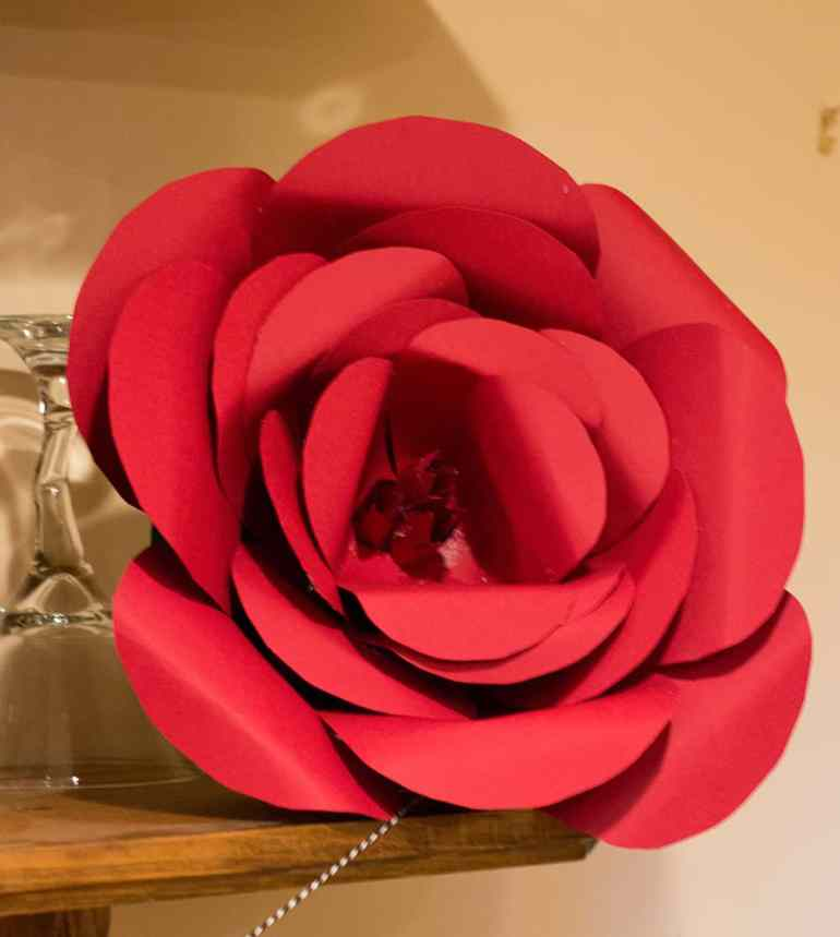 Kentucky Derby Large Paper Rose