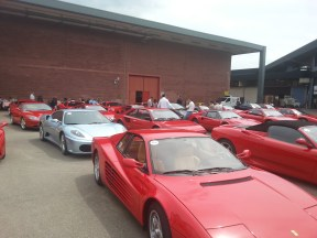 esposizione di Ferrari all'aperto