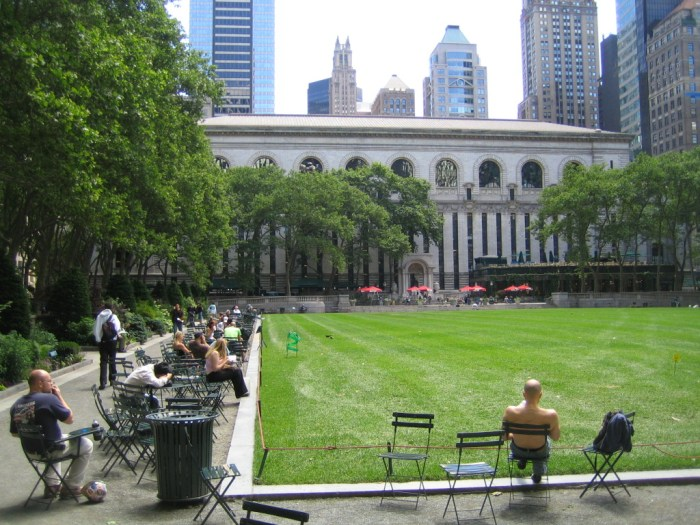 Bryant Park; Google has provided free wireless internet service to this 9 acre expanse that has its own private organization to maintain it. We ate lunch in the shaded area just to the left of the red umbrellas. They NY public libary backs up to the park. Before it was a park, this area was a reservoir and then the site of the Crystal Palace Exhibition. The park we see conforms to the vision of the legendary NY parks director Robert Moses but then deteriorated in the 1970s as the many drug dealers nicknamed it ?needle park.? It was restored to its former glory from 1988-1992. Free WiFi (used by 50,000 people per year) was added in 2002.