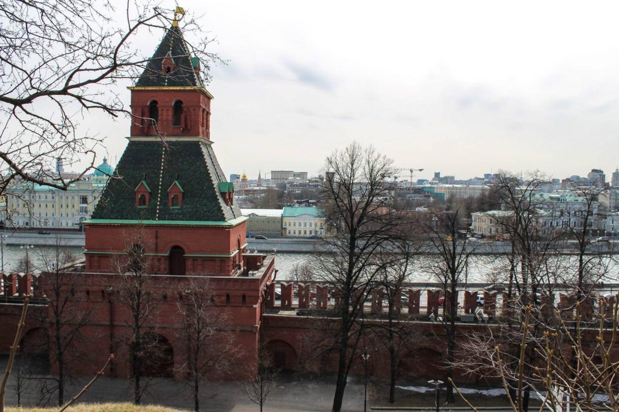 Kremlin-20