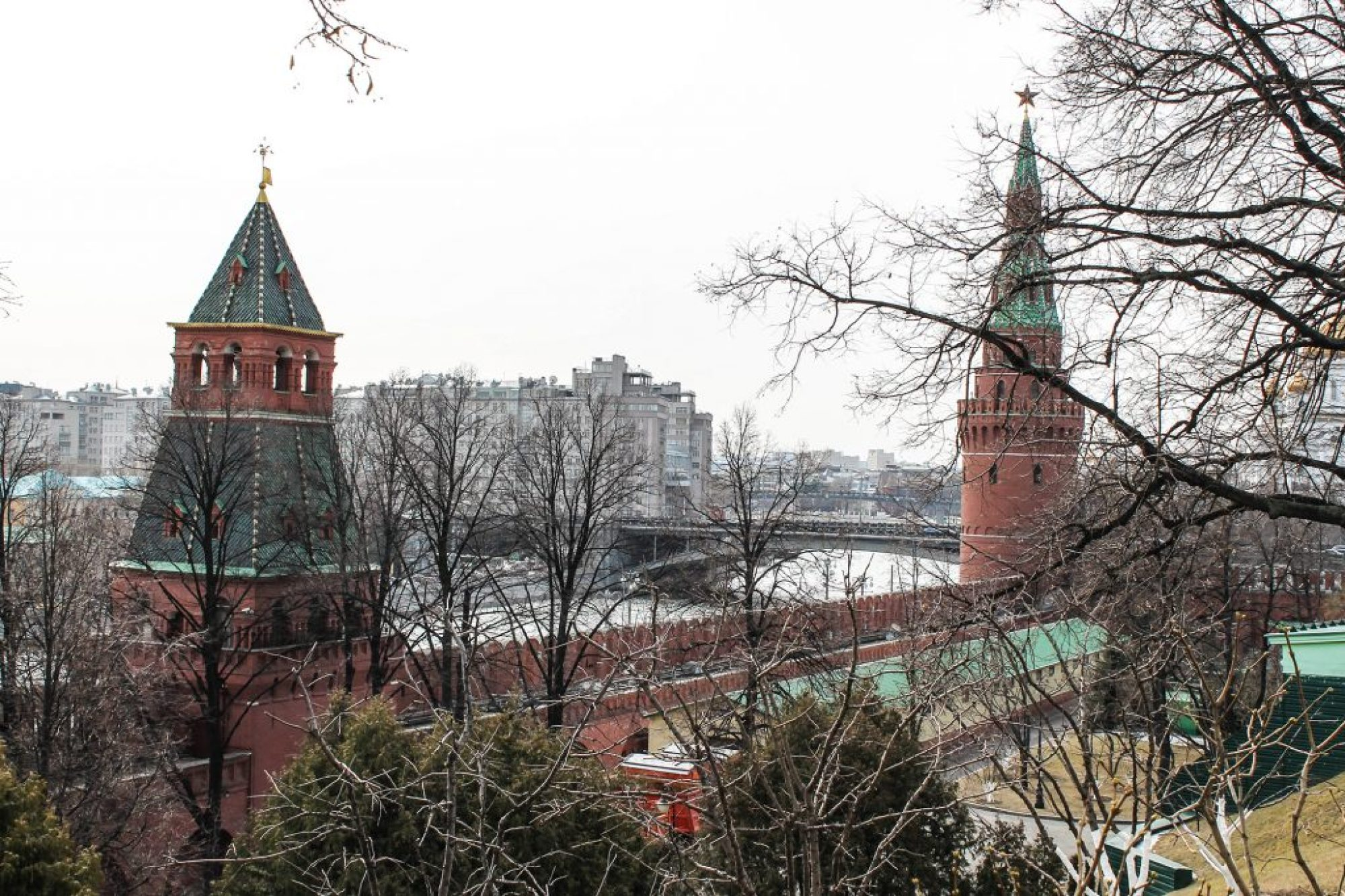 Kremlin-27