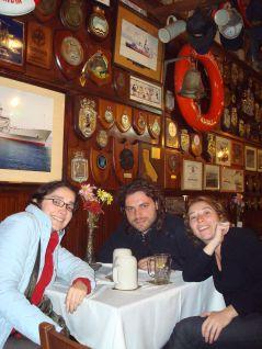 Carola, Alex y Pily en el Hamburgo