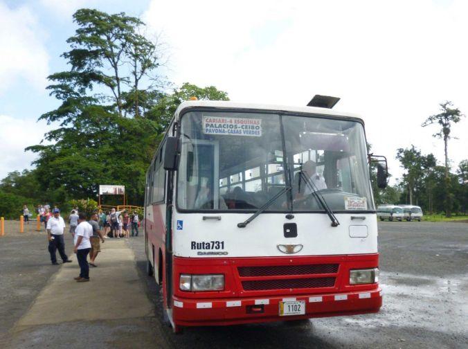 bus_tortuguero_costarica_elviajenotermina_blog de viajes