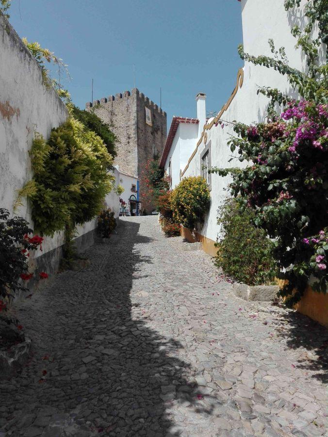 calle_obidos_portugal_elviajenotermina_blog de viajes