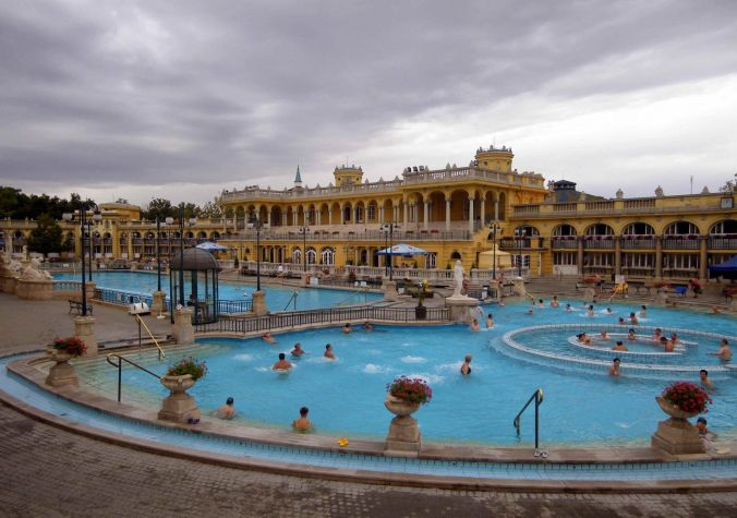 piscina_szechenyi_budapest_hungria_elviajenotermina_blog de viajes