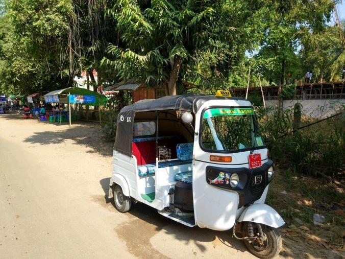 Tuk Tuk Birmania - Blog Viajes - El Viaje No Termina