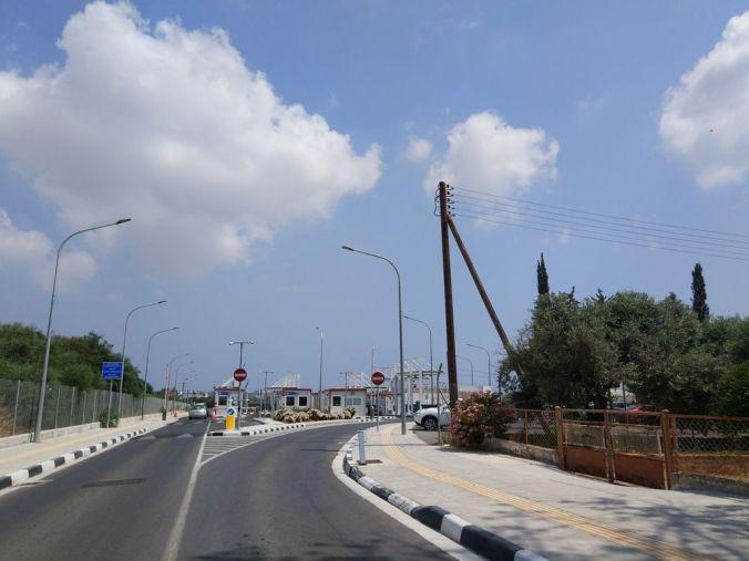 Puesto fronterizo - Chipre - El Viaje No Termina