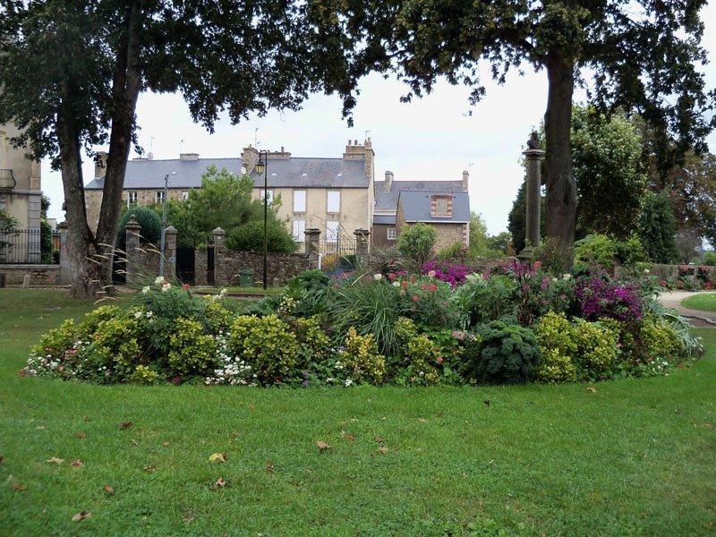Jardín inglés en Dinan en Bretaña