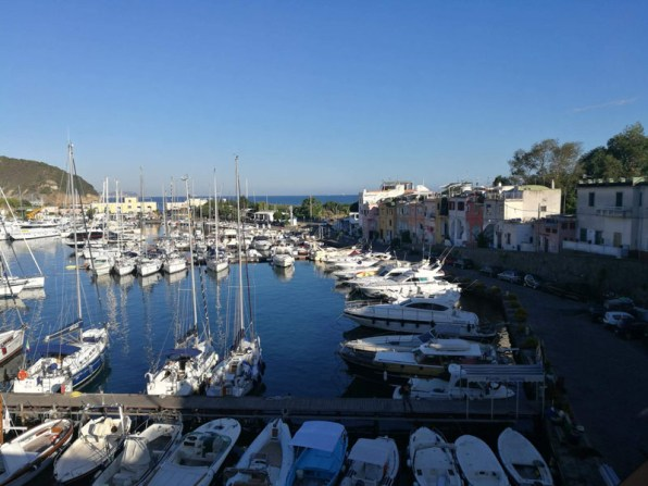 Puerto turístico de la Marina de Chiaiolella