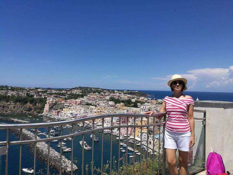 Belvedere dei Cannoni en la isla de Procida en Italia