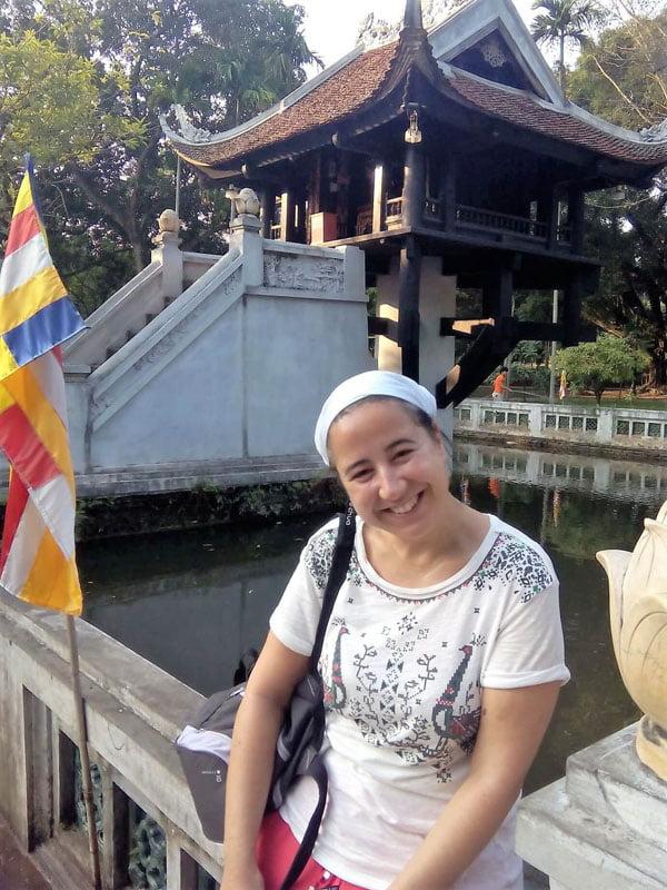 Visita a la pagoda de un pilar en Hanoi
