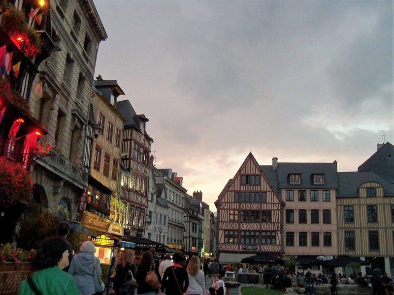 Plaza del Viejo Mercado en Rouen