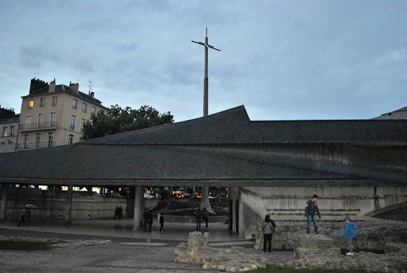 Cruz de la Rehabilitación en Rouen