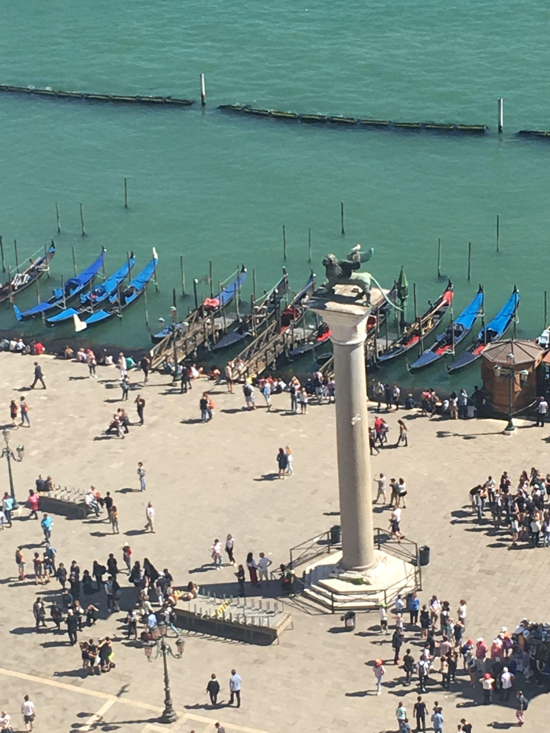 Columna de San Marco,entre esta columna y la de San Teodoro se colocaba el patíbulo