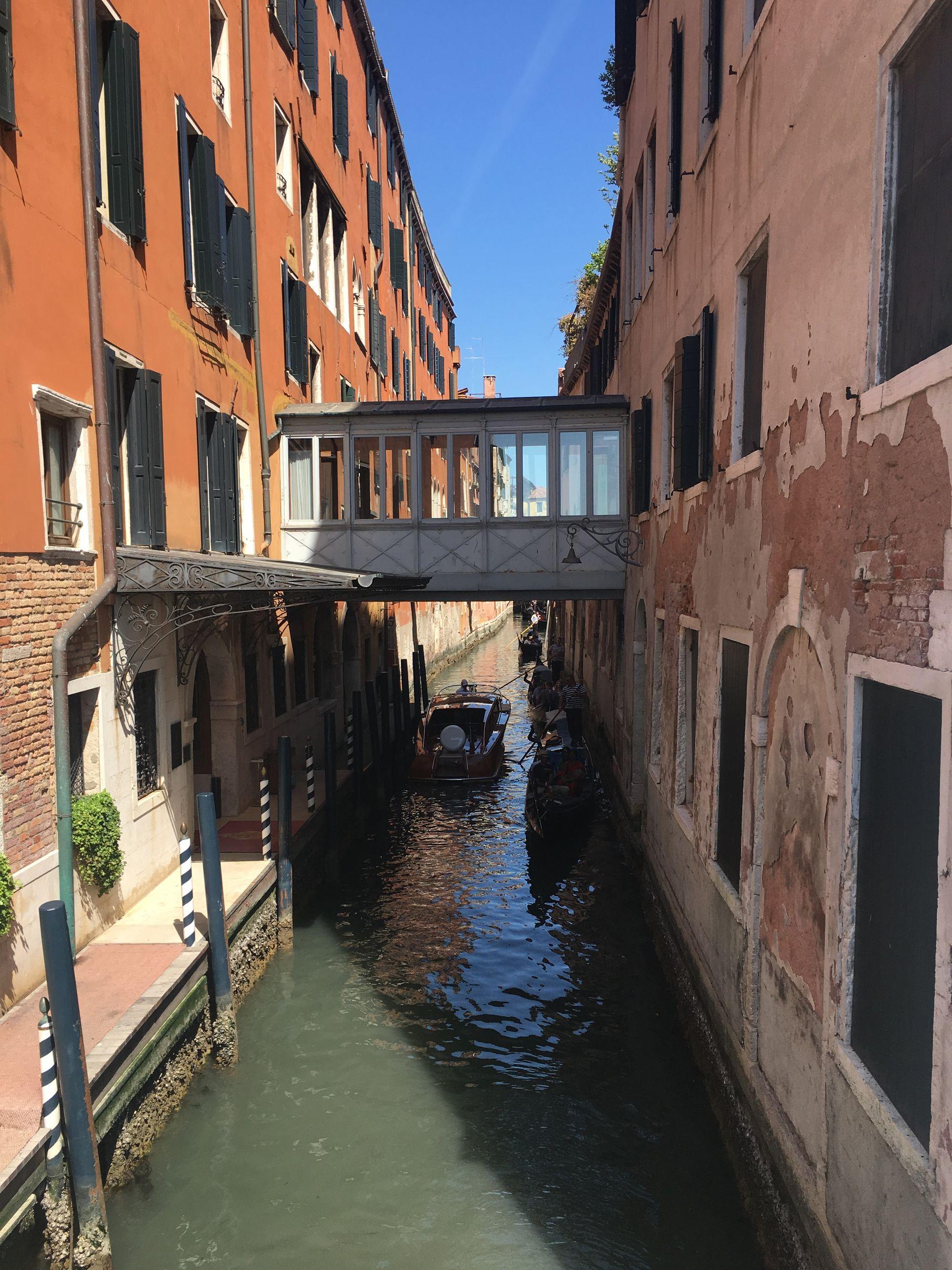 puente entre calles opt