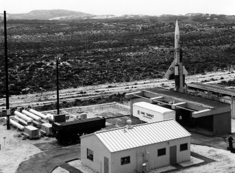 cim-10_bomarc_missile_on_launch_pad