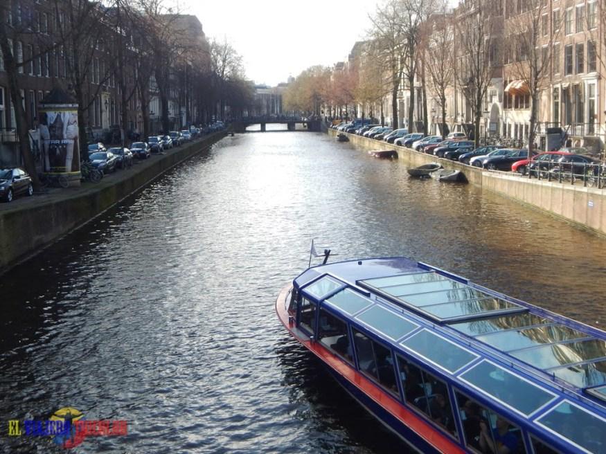 Barco en Amsterdam
