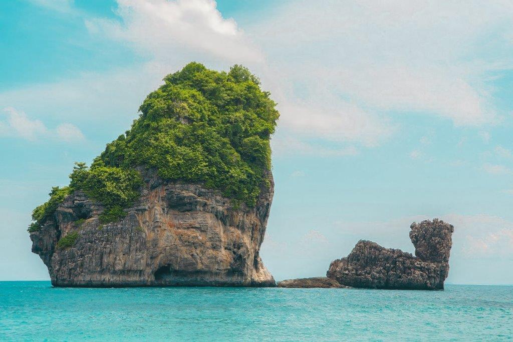 Nui Bay Koh Phi Phi Don, island tour phi phi