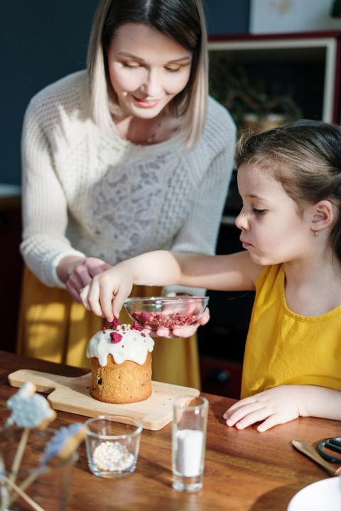Have fun decorating your dessert with kids