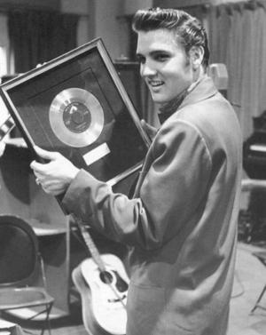 Elvis_Heartbreak_Gold2