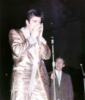 Elvis_OnStage_57_color