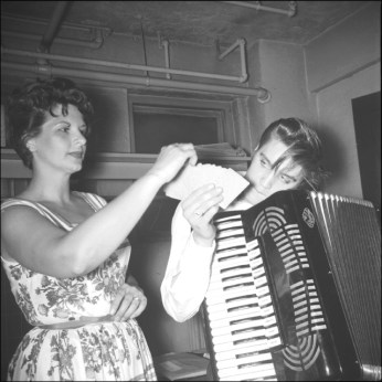 1956 Elvis in Richmond Virginia holding cards and some type portable piano cool RS 10