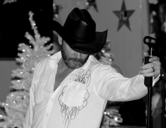 Dave Hoover as Tim McGraw