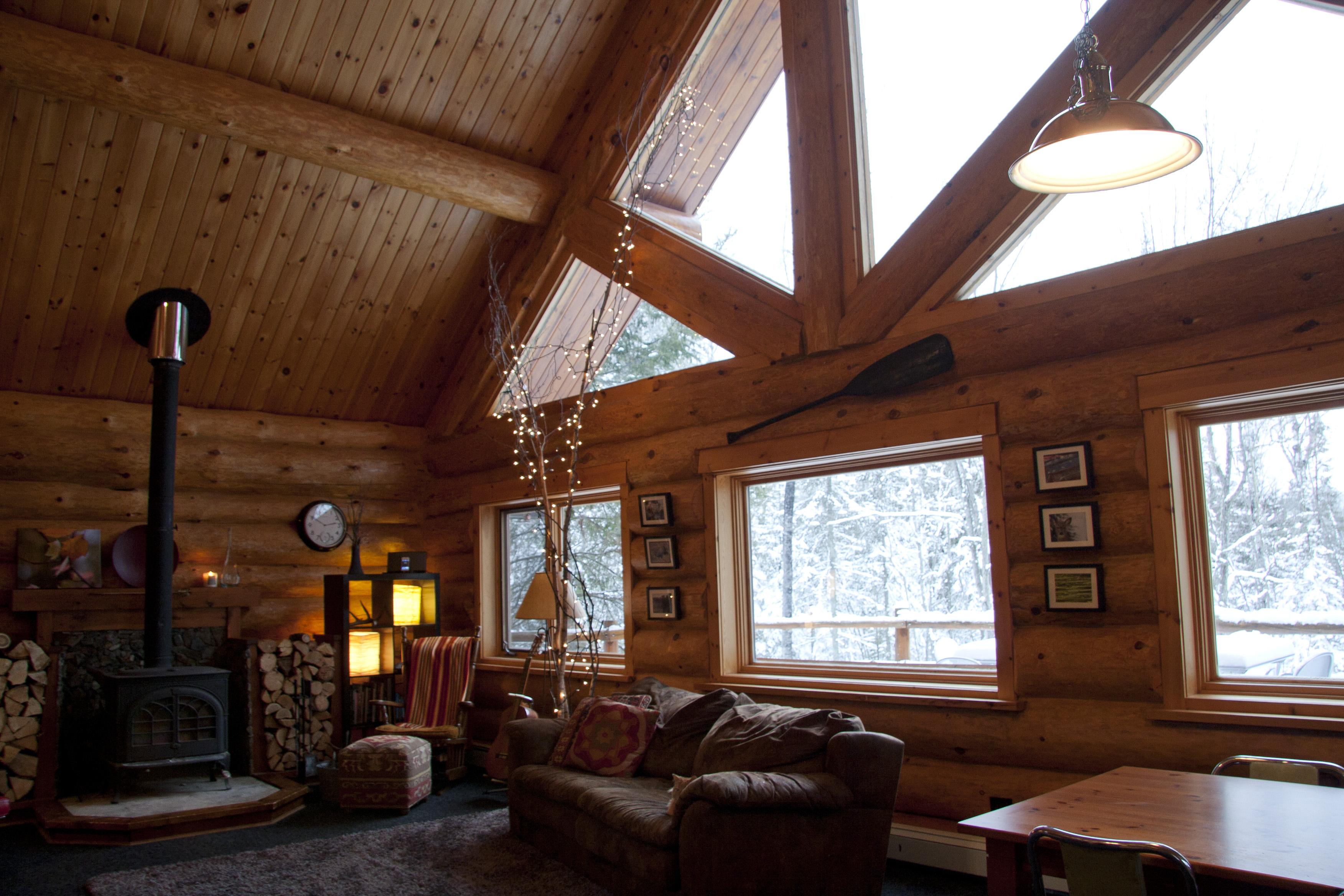 Custom Log Home Interior Photos