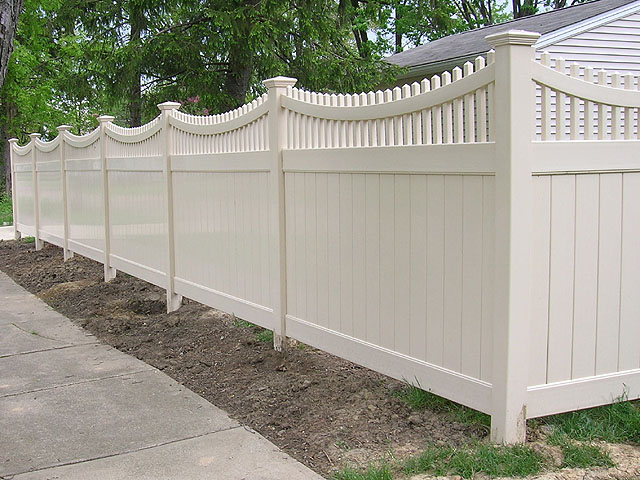 Vinyl Good Neighbor Privacy Fence With Scalloped Top Rail