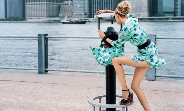 coco-rocha-for-longchamp-spring-summer-2012-campaign5