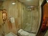 deluxe-twin-bathroom