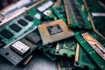 e-waste computer parts
