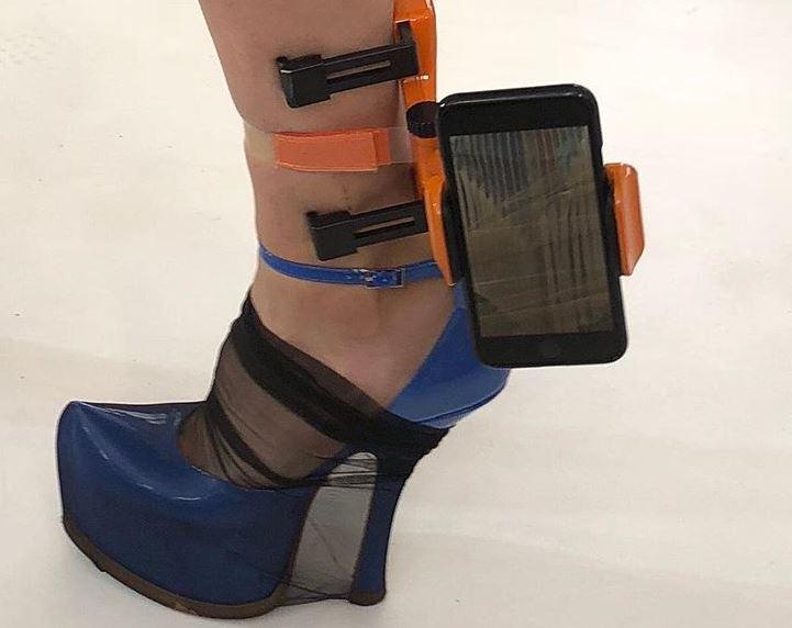 móviles en los tobillos