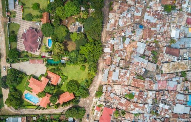 El fotógrafo de drones que muestra la desigualdad en las ciudades