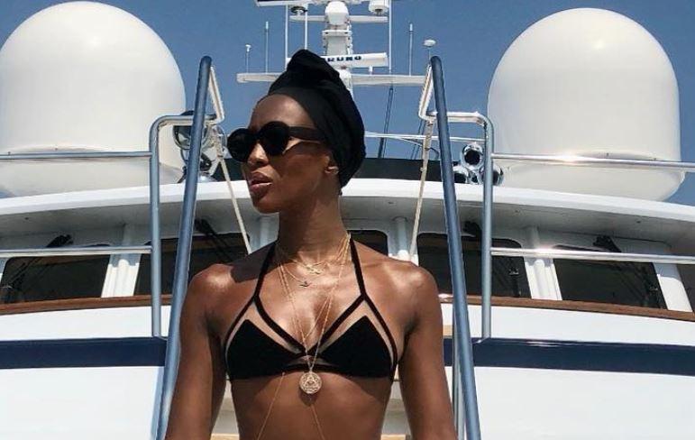 Naomi Campbell en bikini