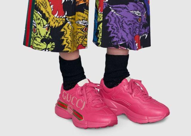 Las deportivas rosas Rhyton de Gucci que llegan para el Día Mundial del Cáncer de Mama